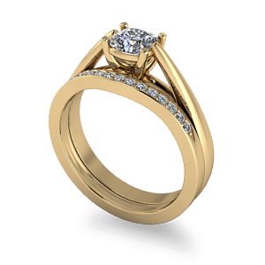 Traditional yellow gold wedding set